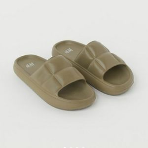 H&M quilted sandals